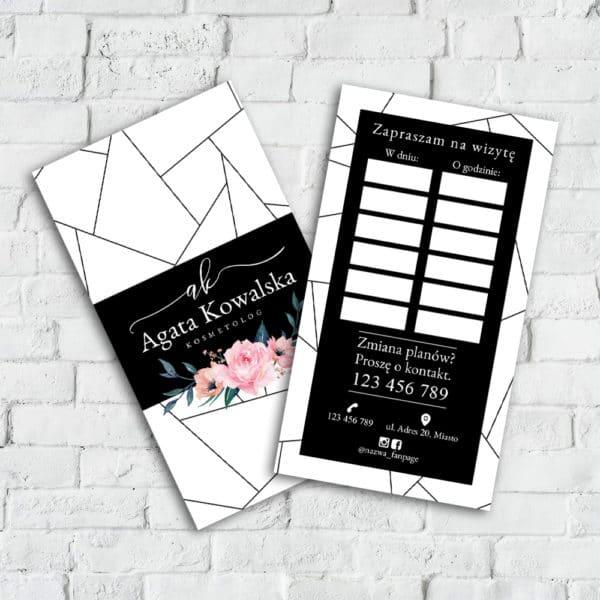 czarno-biały terminarzyk w różowe kwiaty dla kosmetyczki