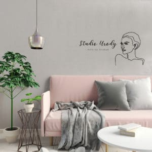logotyp dla kosmetologa z minimalistyczną twarzą na ścianę