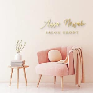 logo plexi na ścianę do salonu kosmetycznego