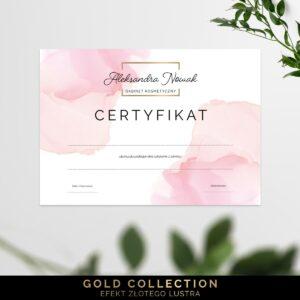 Złote certyfikaty dla makijażystki