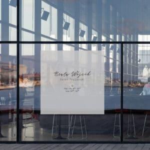 reklama na okno dla stylistki brwi